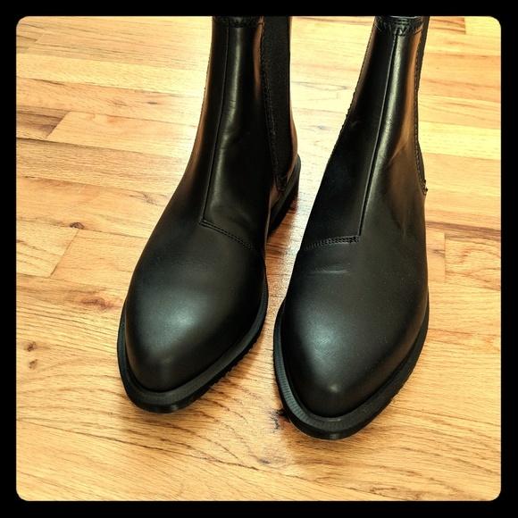 c4fec8aab01 Dr. Martens Shoes - Chelsea zillow boots Dr Martens